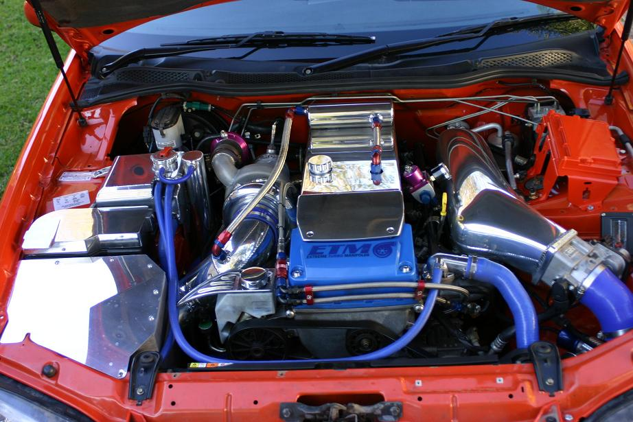 leighs xr6 engine bay 30%.JPG