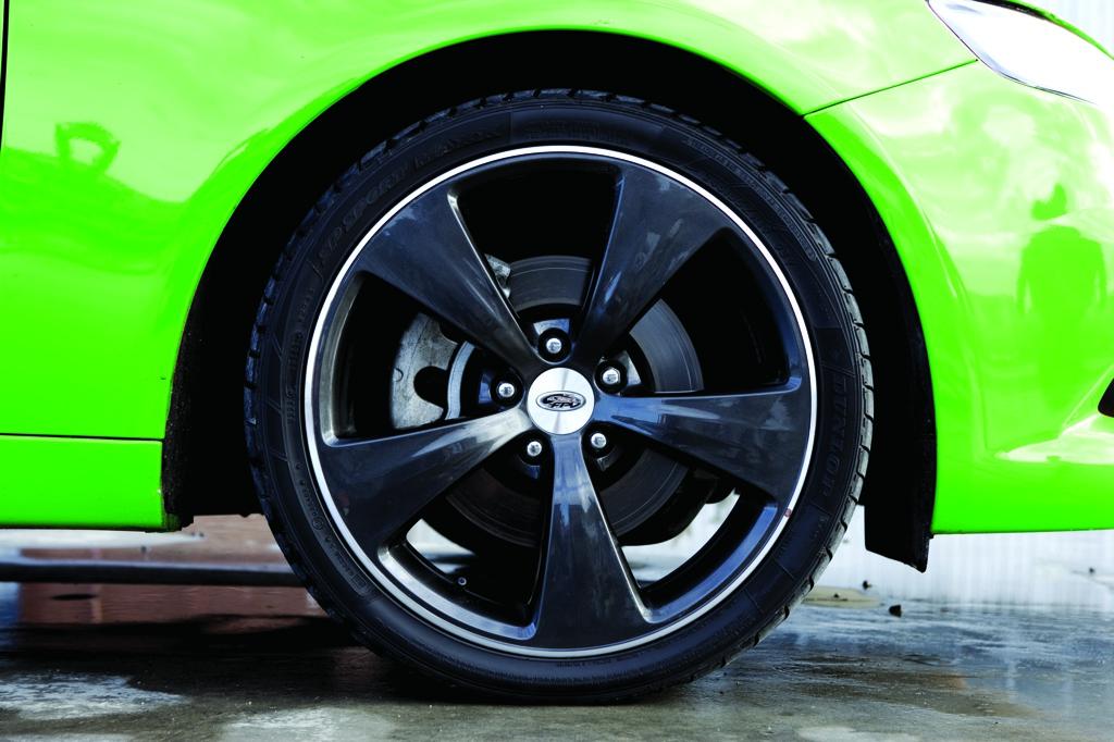 GS Sedan Wheel